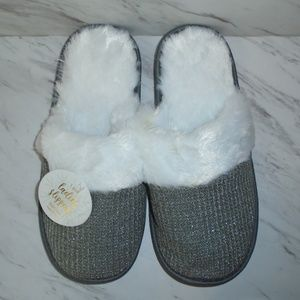Shoes - Ladies Slippers